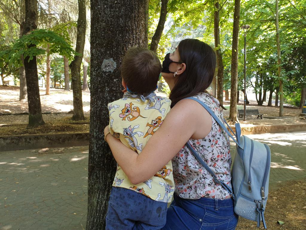 Livia abbracciando Luca