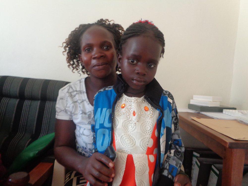 bambina con tumore occhio Uganda